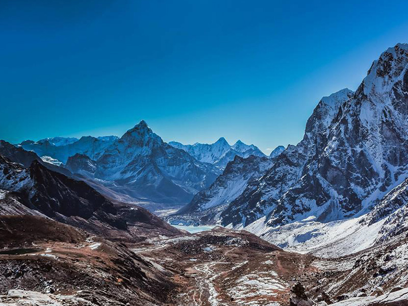 Gokyo Lakes Trek with Renjo La Pass